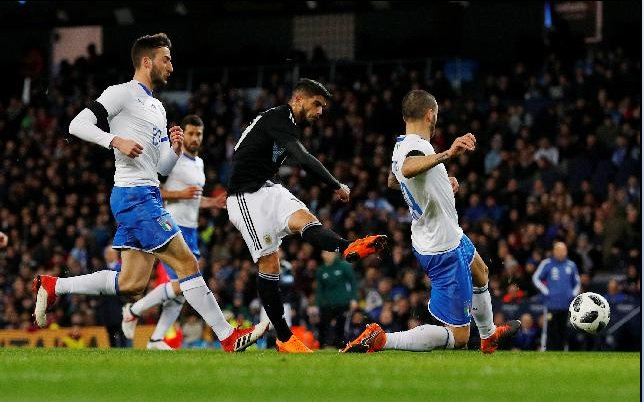 Il gol di Banega contro l'Italia