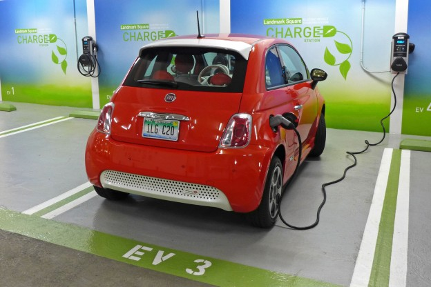fiat-500e-charging-624x416
