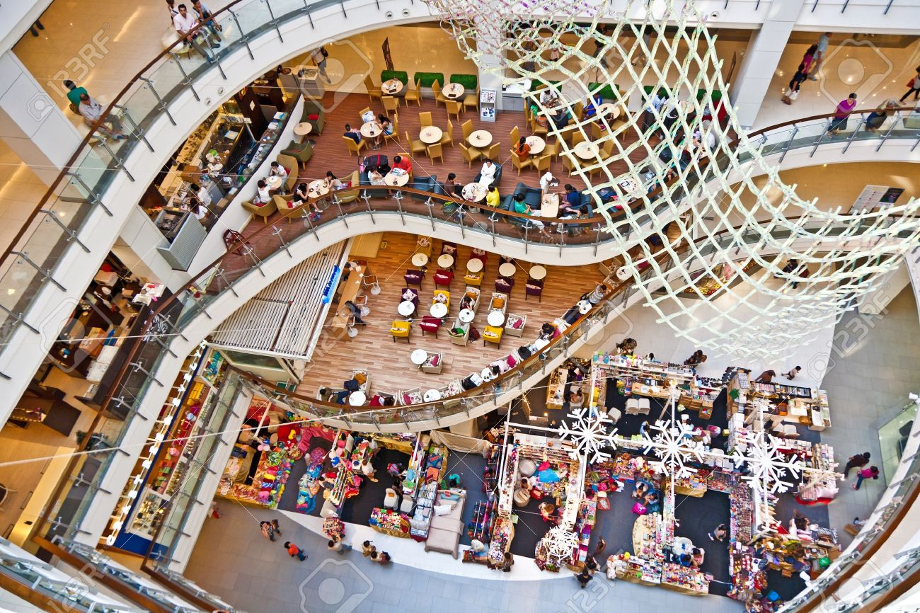 10123276-bangkok-thailand-jan-3-people-relax-and-enjoy-the-shopping-complex-central-world-on-december-22-2009-stock-photo