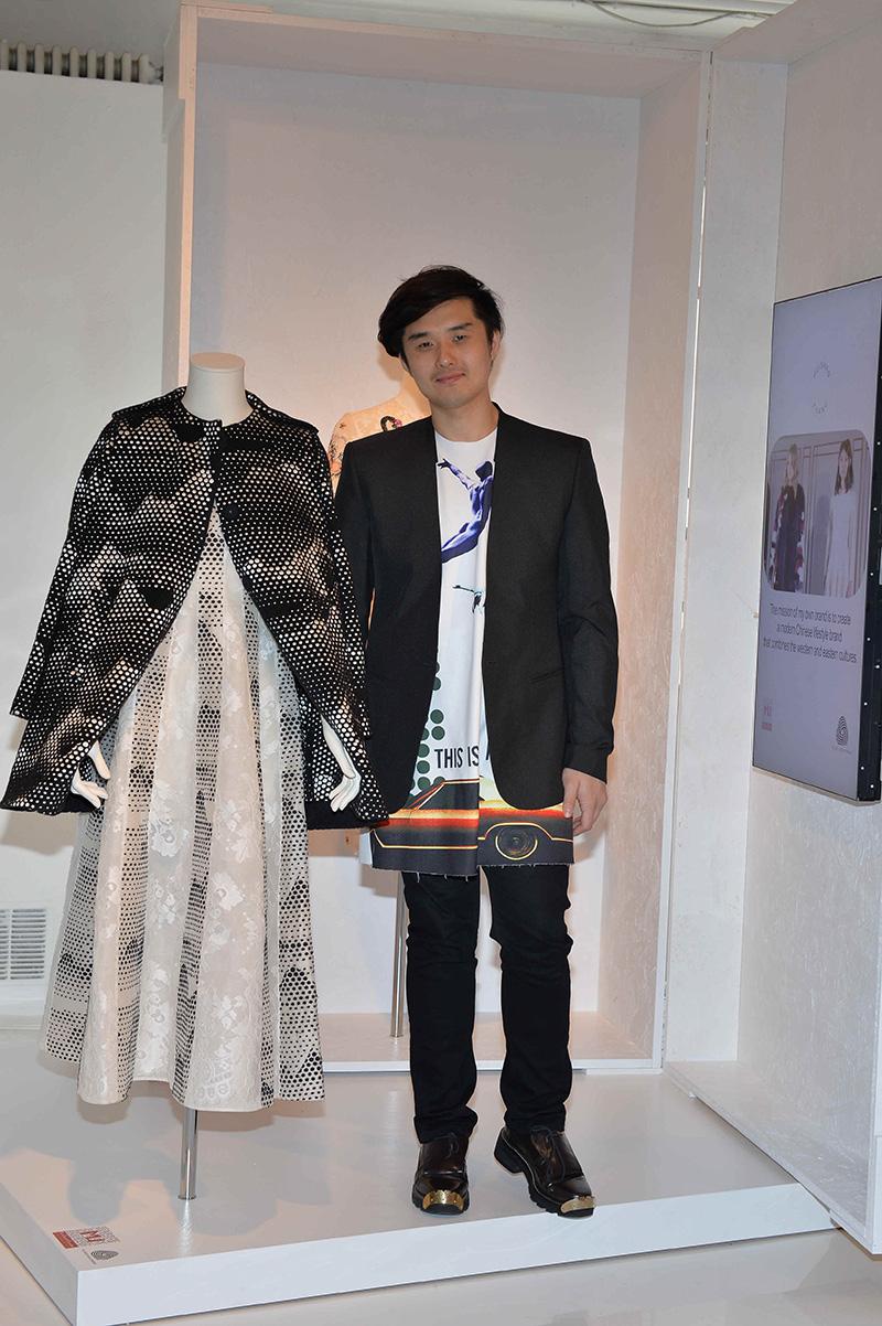 013 Huishan Zhang copia