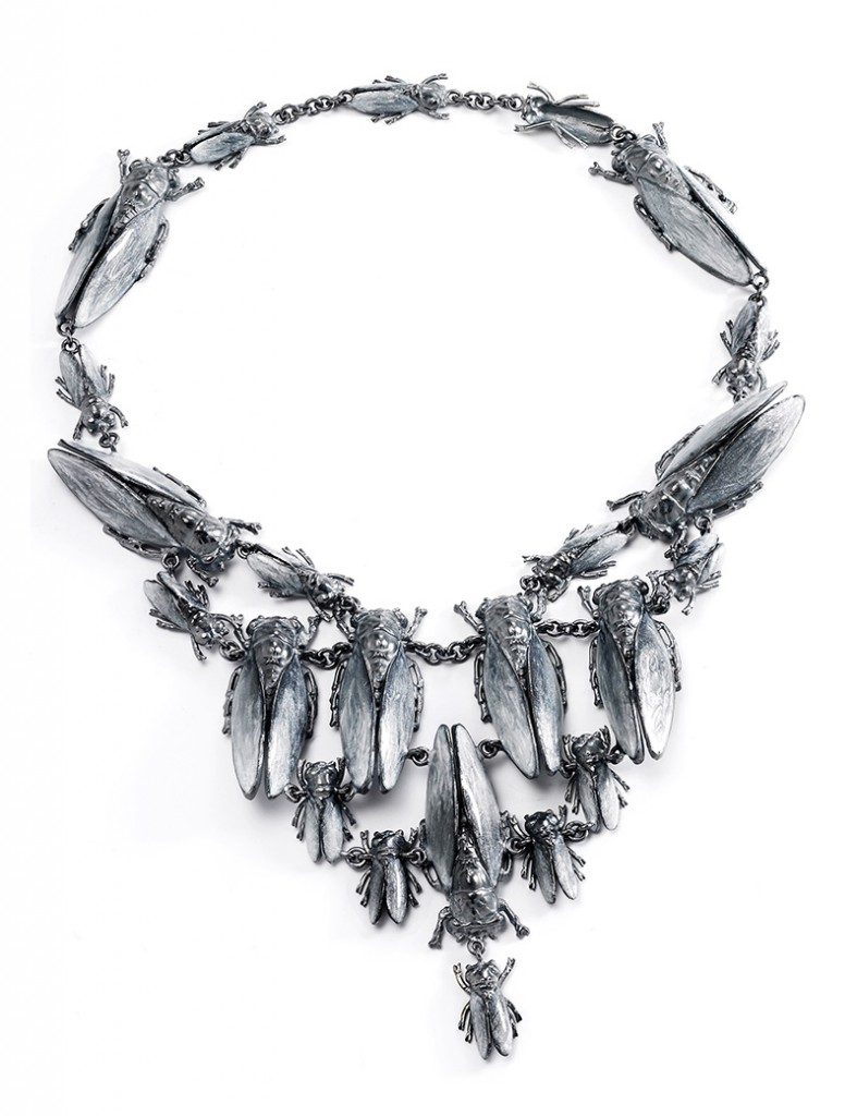 Vernissage_imperial_moth_silver_necklace copia