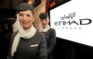 hostess-della-etihad-airways