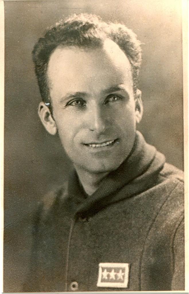 Teodoro Bigi 1945 in divisa da partigiano