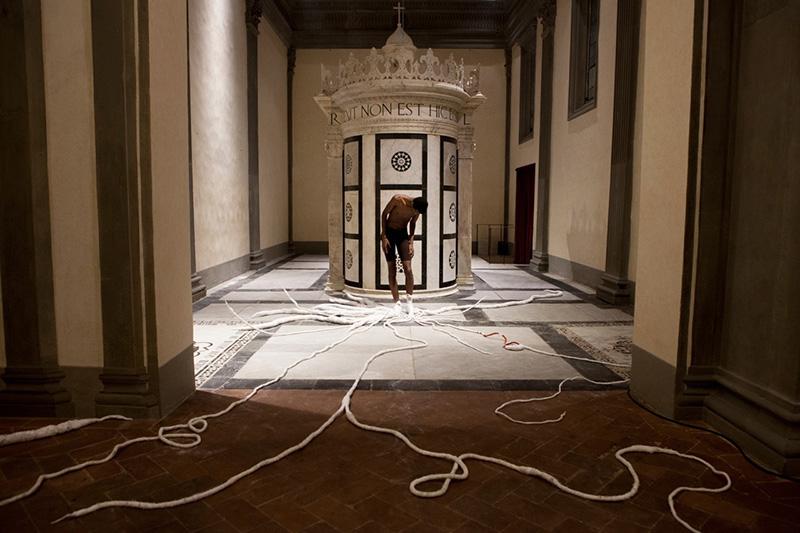 Thomas De Falco, RED, (installa zione tessile in lana seta e cotone, Museo Marino Marini) 2015  -  foto ©Tassili Calatroni copia