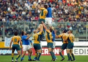 Italia v Australia 2008 allo Stadio Euganeo, Hugh McMeniman e Marco Bortolami in touche (foto Rogers).