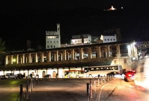 02soc1-gubbio-logge-notte