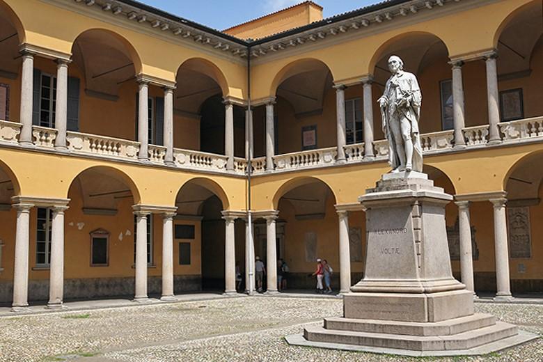 Università-Centrale-Cortile-delle-statue