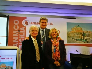 Da sinistra, Giacomo Chiarandà (presidente regionale uscente Anmco), Andrea Di Lenarda (presidente nazionale) e Giovanna Geraci (presidente regionale)