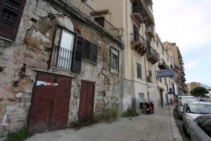 Palermo 962015 ( FOTO PETYX PALERMO) porta storica murata alla cala