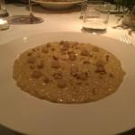Riso Carnaroli con fonduta al primo sale siciliano,  noci tostate e pera  cotta al marsala