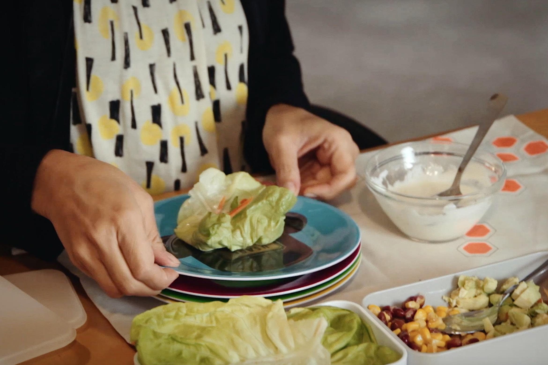 Pausa Pranzo Ufficio : Pausa pranzo in ufficio insalata tropicale con tortillas vegetali