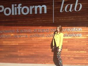 Marta Anzani, corporate manager di Poliform e presidente di Giovani imprenditori di Federlegno Arredo, davanti al Poliform Lab di Inverigo