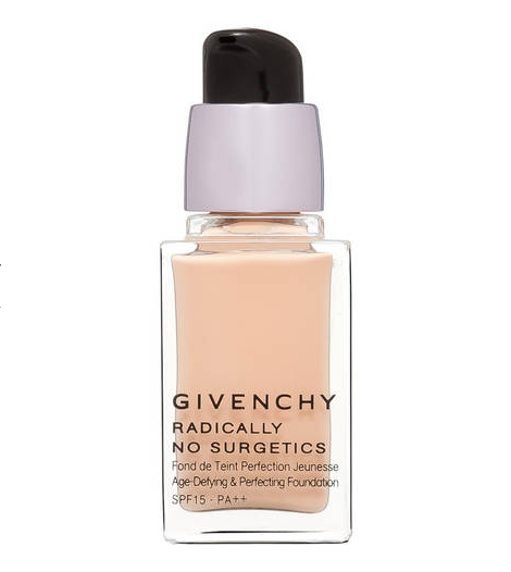 I 5 fondotinta anti age per pelli mature lo specchio di for Givenchy teint miroir lift comfort