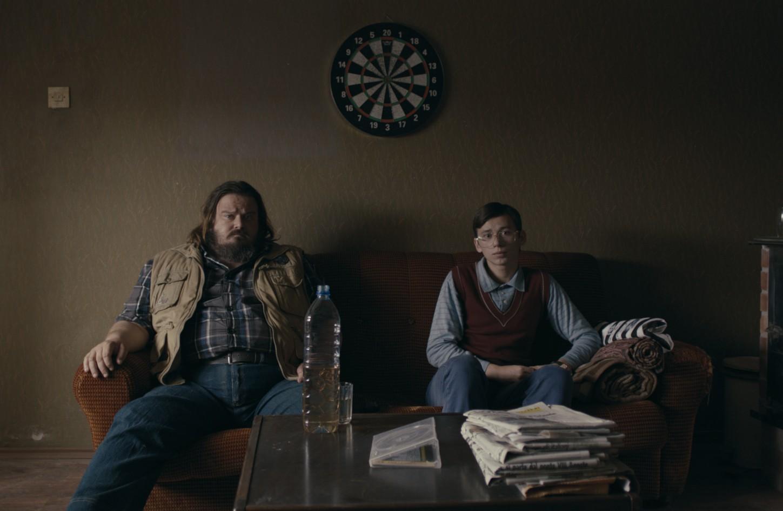 Giuseppe Battiston e Rok Prašnikar nel film (2013) di Oleotto