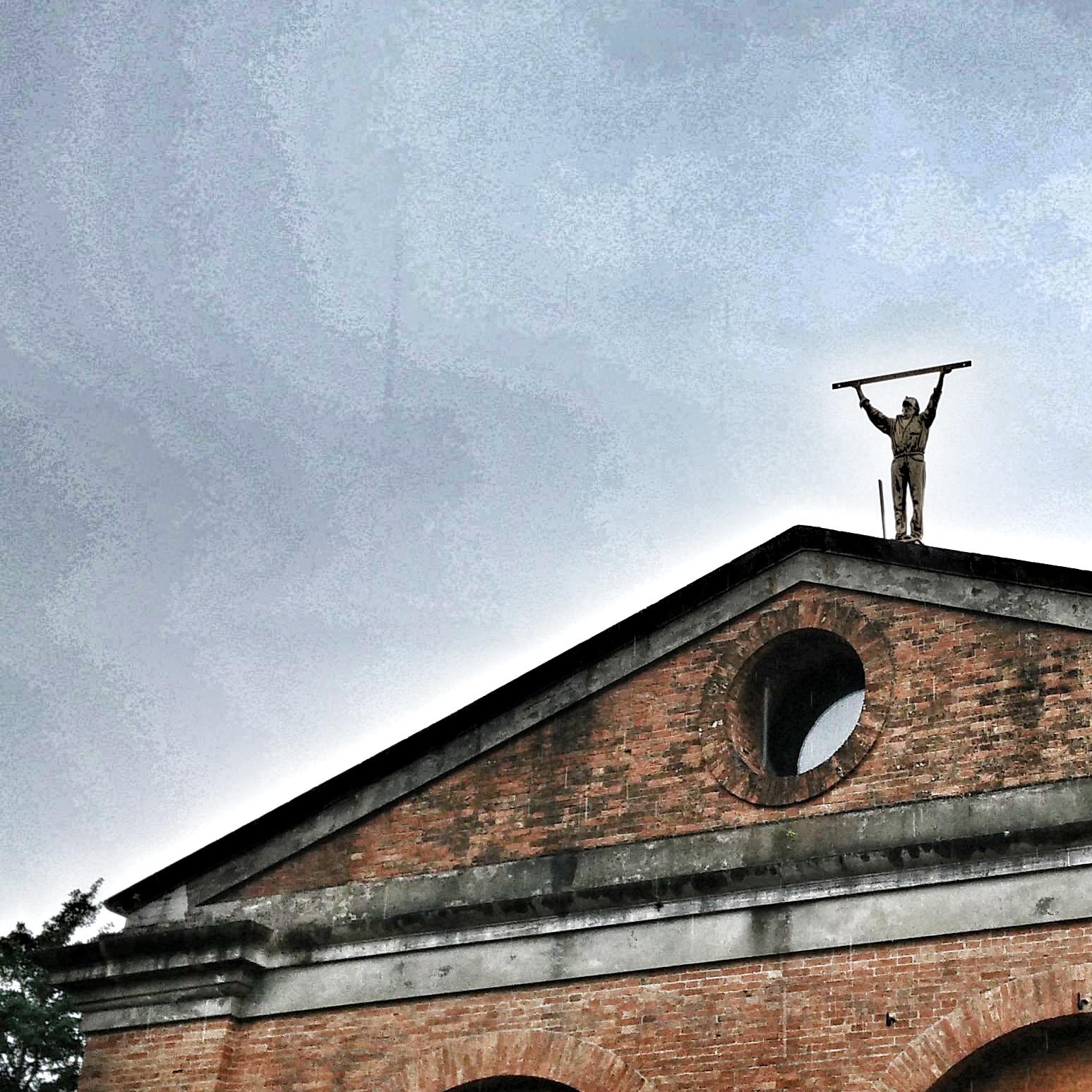 L'uomo che misura le nuvole - Jan Fabre, Giardini Thetis Venezia