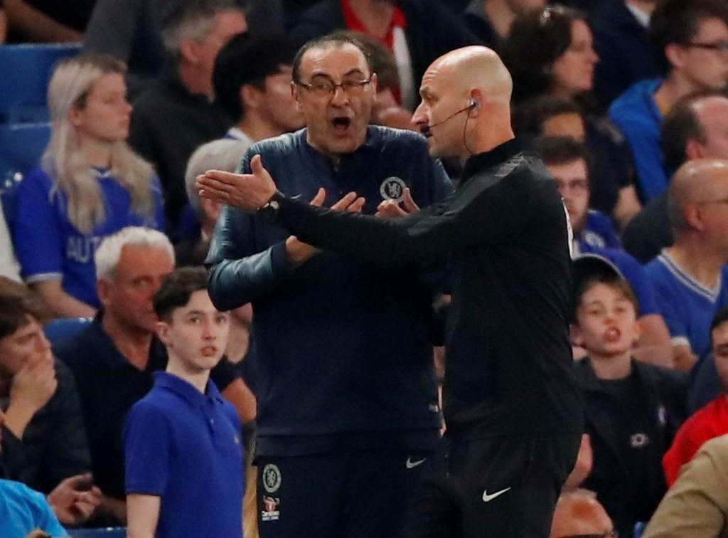 Maurizio Sarri espulso nella partita contro il Burnley
