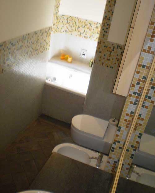Prima e dopo esempi di ristrutturazione casa design - Nicchie in bagno ...