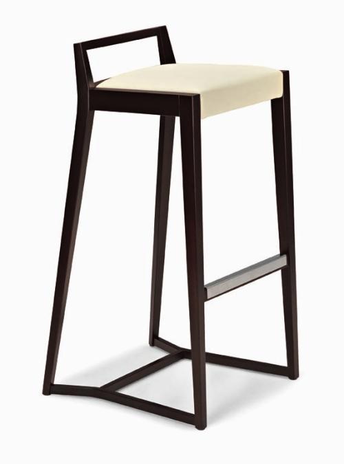 Le sedie e gli sgabelli classici ed eleganti - Casa & Design