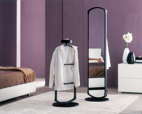In camera da letto tutto a 1000 euro casa design - Appendiabiti da camera da letto ...