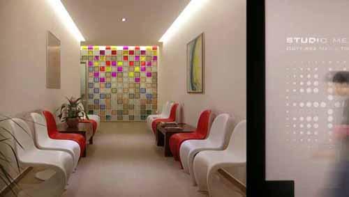 Lo studio dentistico a colori casa design for Arredo sanitario