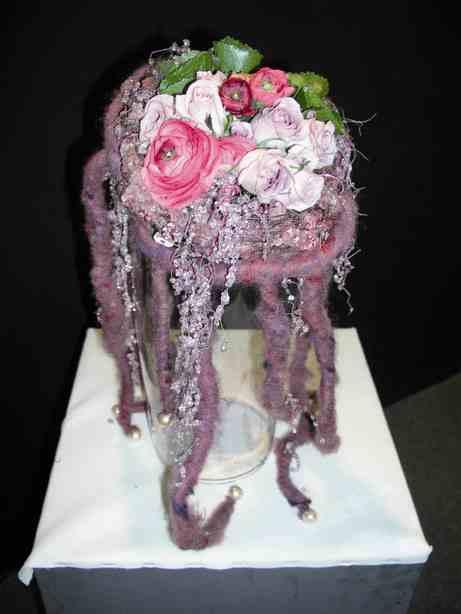 Perline, rose e lana: un mix di texture e colori