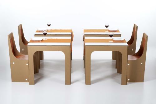 Il tavolo Zeus e le sedie Melita di Kubedesign