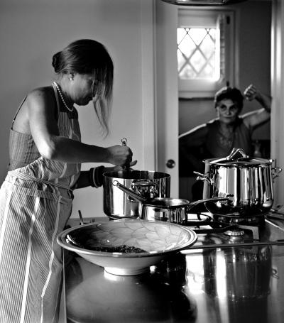 Donne italiane dive in cucina casa design - Cucina anni 20 ...
