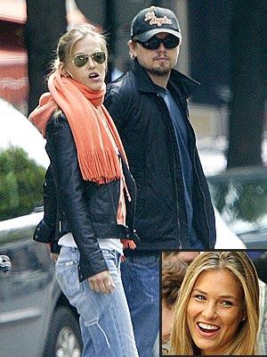 Leonardo Di Caprio e la fidanzata, la modella israeliana Bar Rafaeli. I due si sposeranno l'anno prossimo. E nel frattempo acquistano case, tra Israele e il Piemonte