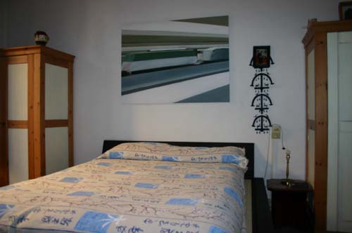 A casa di giuseppe cederna casa design - Quadro sopra letto ...