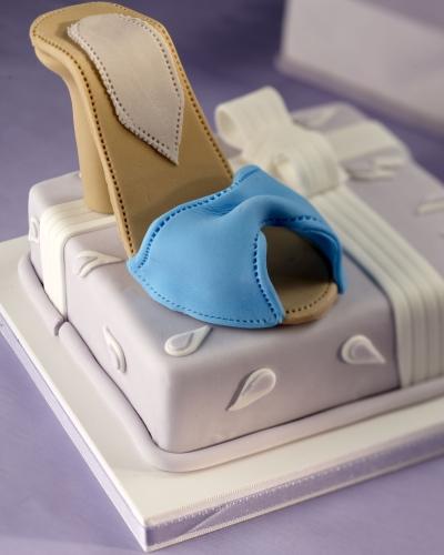 Una proposta fashion per una festa all'insegna dello stile: la torta con i tacchi