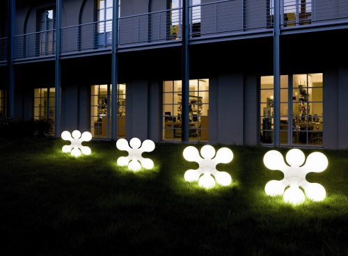 Le luci per esterno casa design