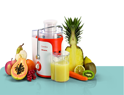 Centrika di Ariete, solida e compatta, è ideale per preparare centrifugati di frutta e verdura. 39,90 euro