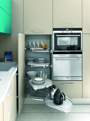 Latest sos idee per mini cucine casa u design soluzioni - Colori per cucina piccola ...