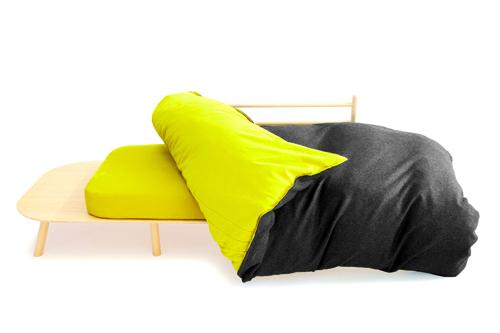 Disfatto di D3Co: letto, tavolo, sedia e divanetto