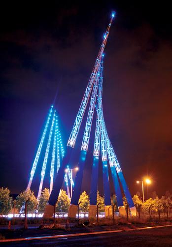 Mersey Wave, le strutture luminose alle porte di Liverpool, di Fink, FoRM Associates e Techniker