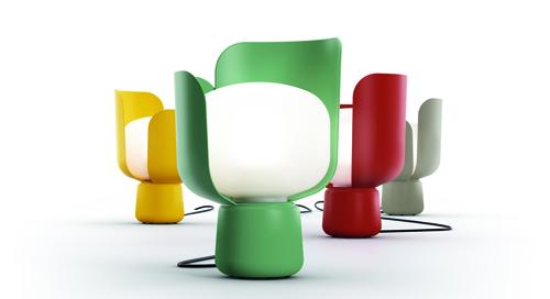 Blom disegnato da Andreas Engesvik per FontanaArte: un oggetto colorato e  leggero. La lampada è alta 24 cm con un diametro di 15 cm,  costa 141,50 euro