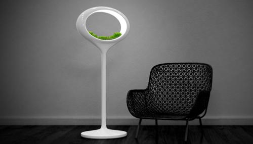 La lampada Grass lamp di Marko Vuckovic è ancora un prototipo. Ma il suo funzionamento è semplice: la lampada a led contiene le piante che crescono grazie alla coltivazione idroponica, ovvero in assenza di terra, solo con piante, acqua e la luce<br><strong>www.markovuckovic.com</strong>