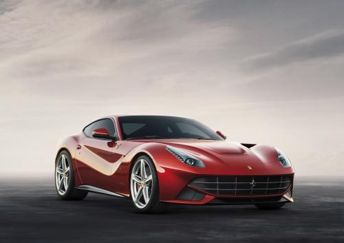 <STRONG>F12berlinetta<BR></STRONG>Designer: Flavio Manzoni, Centro Stile Ferrari, Pininfarina<BR>Azienda: Ferrari