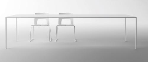 <STRONG>Venticinque<BR></STRONG>Designer: Bruno Fattorini & Partners<BR>Azienda: Desalto