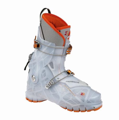 <STRONG>Masterlite, scarponi da sci più leggeri al mondo<BR></STRONG>Designer: MM Design<BR>Azienda: Garmont