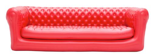 Da Blofield, l'azienda specializzata in gonfiabili, il divano 4 posti (ma ci sono anche misure più piccole), da gonfiare in vista di ospiti in arrivo. In pvc resistente ai raggi Uv, è adatto anche agli esterni. Nel kit, c'è anche la pompa elettrica per gonfiarlo