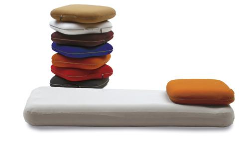 Il letto nella valigia: è Q.letto, l'invenzione di Emanuele Magini per Campeggi. Il letto si gonfia con pompa elettrica