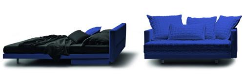 Oz di Molteni&C è un divano che si trasforma facilmente in letto, per un relax comodo