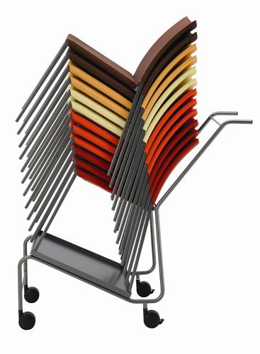 Talia, le sedie impilabili che Zanotta propone anche con carrello. Per famiglie numerosissime