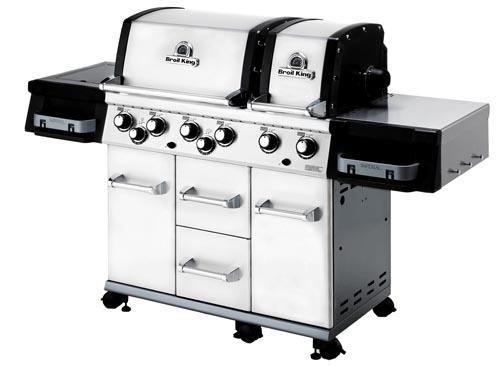 La particolarità di questo barbecue è il doppio braciere, ognuno con il suo coperchio, per cuocere contemporaneamente pietanze che hanno bisogno di diverse temperature. Si chiama Imperial XL, di Broil King, costa 2.900 euro. Distribuito dai Signori del Barbecue