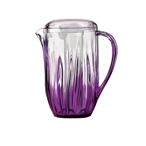 La caraffa Iris di Guzzini è dotata di coperchio e di bulbo multifunzione che, riempito d'acqua e posto nel freezer, diventa refrigerante per qualsiasi bevanda, 27,50 euro