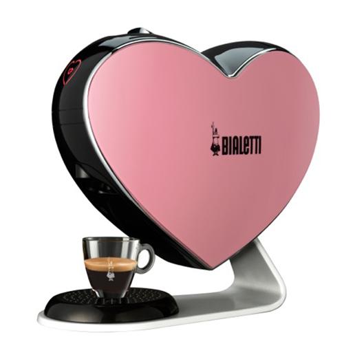 Bialetti, macchina per espresso Cuore nella limited edition per la lotta contro il cancro al seno (149,99 euro)