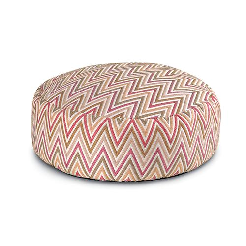 Un tripudio di forme, segni e nuance pastello per il pouf di Missoni Home