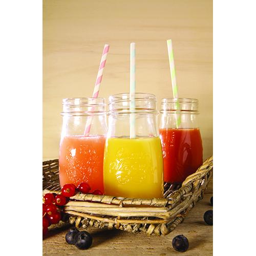 Le bottiglie Quattro Stagioni sono ideali per la preparazione di passate di pomodoro. Grazie alla forma slanciata sono perfette anche per contenere frullati e centrifughe