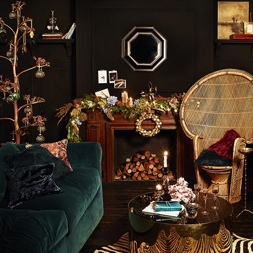La collezione Bohemian Christmas di Zara Home si caratterizza per una atmosfera ricercata nella quale spiccano brillantezza, oro, cristalli e superfici preziose